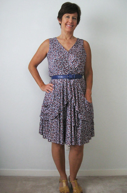 Vogue 1448 jersey dress worn with belt