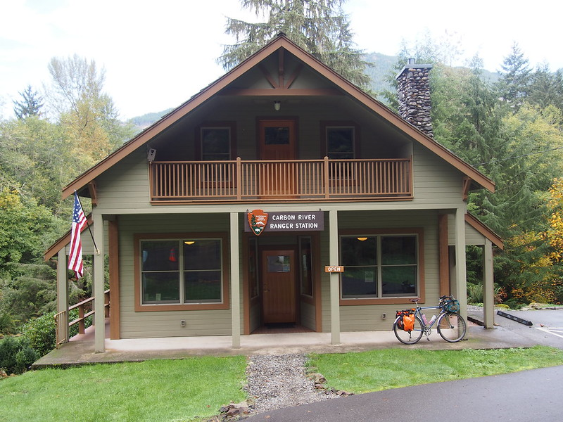 Carbon River Ranger Station: I learned a lot about the national park while chatting with the park ranger.