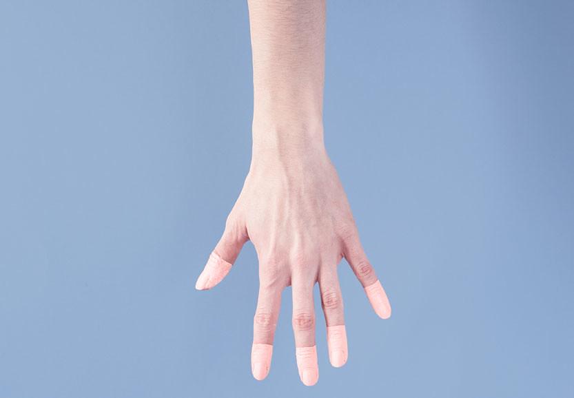 mano-abierta-pantone