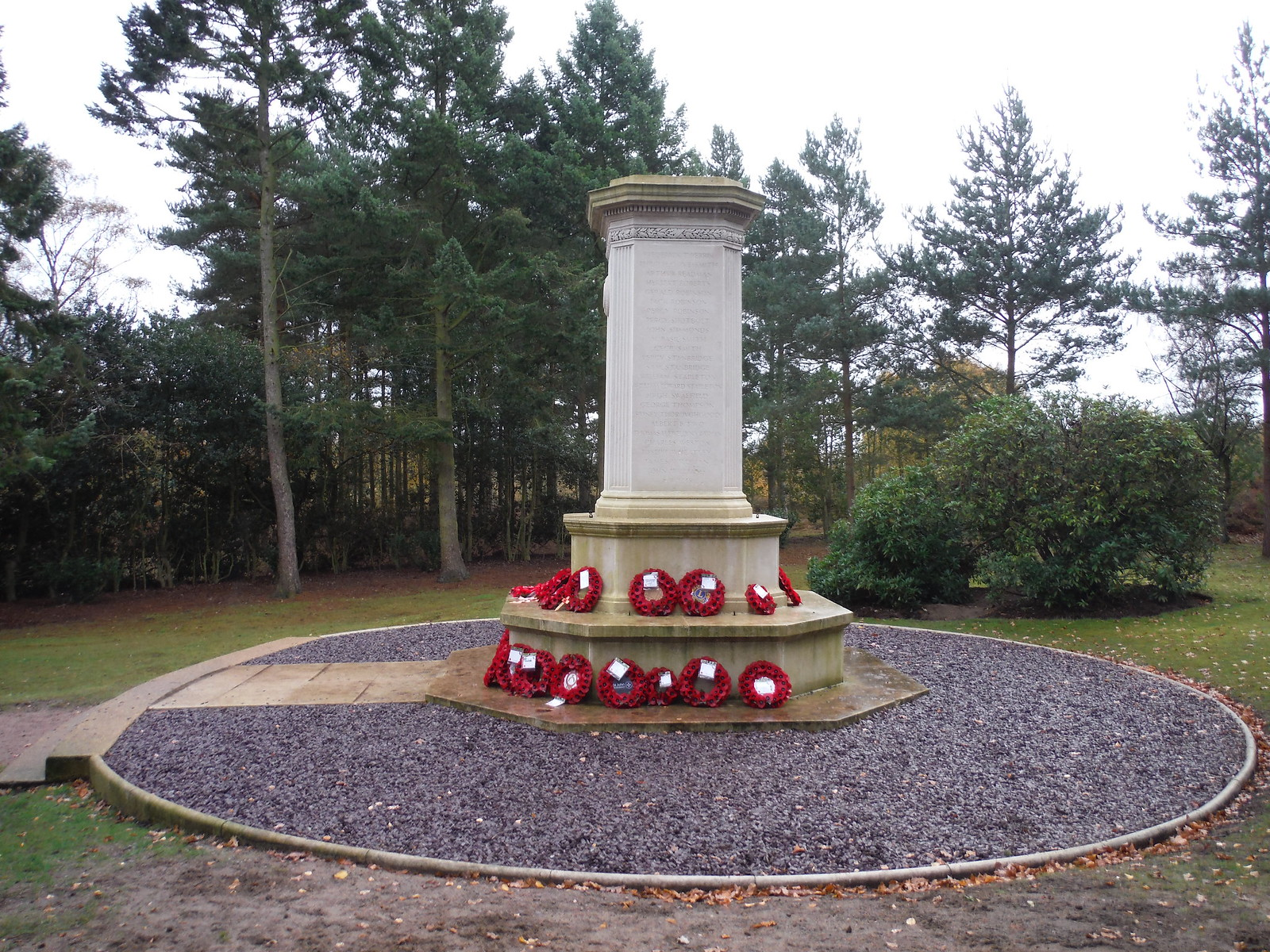 War Memorial near Cooper's Hill, Ampthill (I) SWC Walk 232 Lidlington to Flitwick