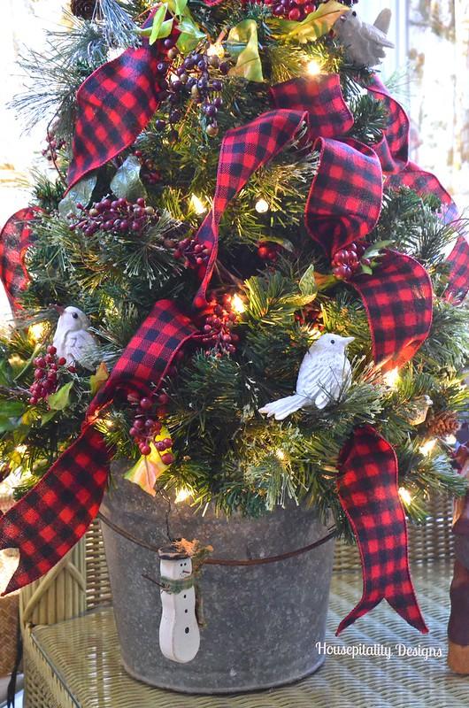 2015 Sunroom Christmas Tree - Housepitality Designs