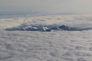 雲の上の山