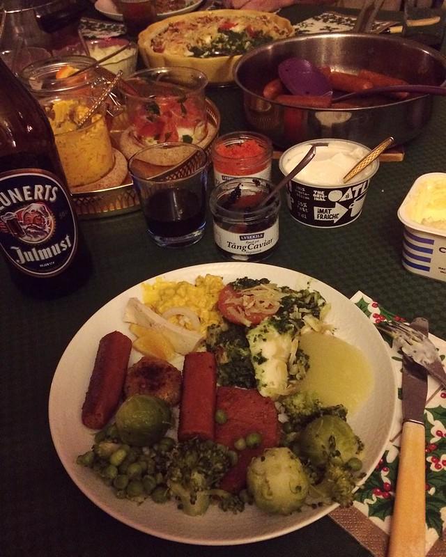 Spenatpajen med hemmagjord mozzarella, parmesan och valnötter var en riktig hit! #vadveganeräter