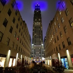 #clouds over #RockefellerCenter #cloudy #midtown #midtownmanhattan #metropolis #manhattan #ny #NYC #NewYorkCity #NewYork #ilovenyc #nycnightlife #nightout #nycphotographer #nyc_highlights #streetphotography #streetlife #picoftheday #everyday_shooter #nycp