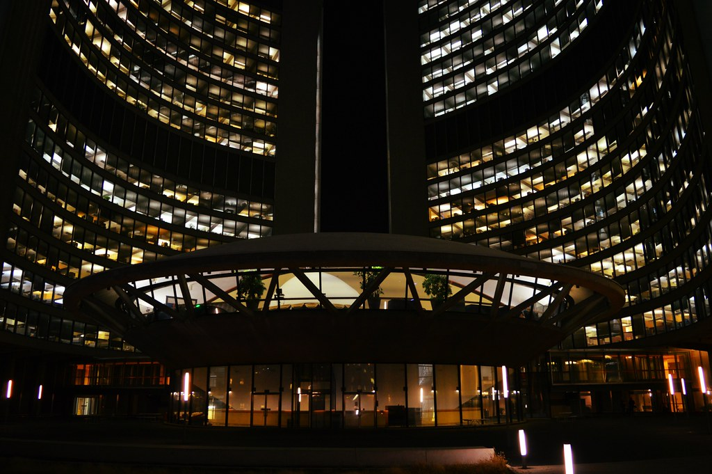 Hotels Near Nathan Phillips Square