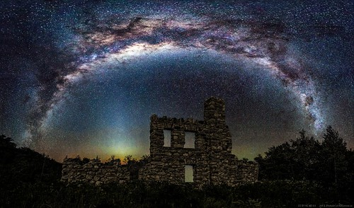 Galaxy above Castle Glen