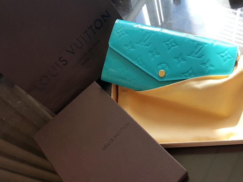 Louis Vuitton Vernis Sarah Turquoise Wallet