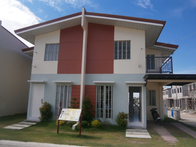 Duplex House for Sale Angeles City Bgy Mining Ref# 0000595
