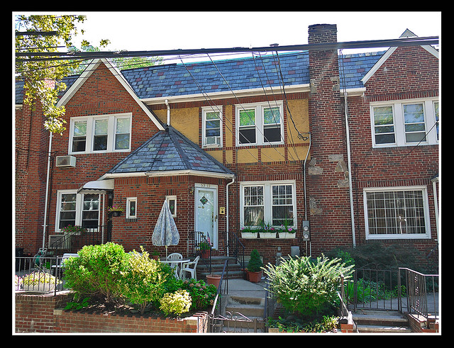 Open House Sun 10/4 from 12-3 pm  2 FAMILY MASPETH