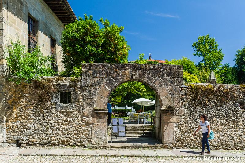 Entrada a la casa de Los Villa