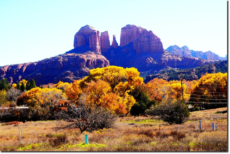 The Cathedral Rock from  the Red Rock Loop Road  (13)