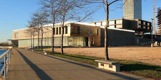 Milwaukee Art Museum Addition / War Memorial Center