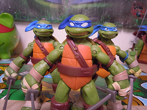 "Nickelodeon ""HISTORY OF TEENAGE MUTANT NINJA TURTLES"" FEATURING LEONARDO - Nick LEONARDO vi / ..with Nick Leo '12 & NEW DECORATION Leo '15 (( 2015 ))"