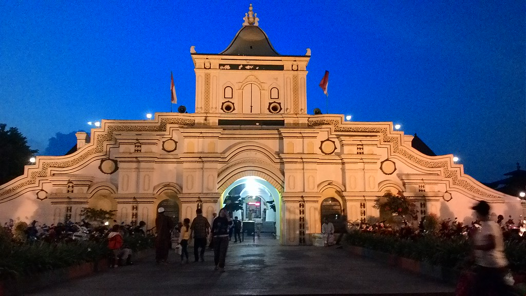 Menyusuri megahnya Masjid Agung Sumenep