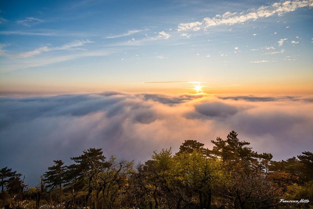 Trieste nella nebbia - vista dal Monte Grisa