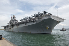 USS Bonhomme Richard (LHD 6) arrives at Changi Naval Base, Oct. 16. (U.S. Navy/PO2 Joshua Fulton)