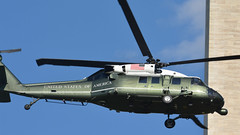 HMX-1 Helicopter making practice landings at the White House on 8/12/2015