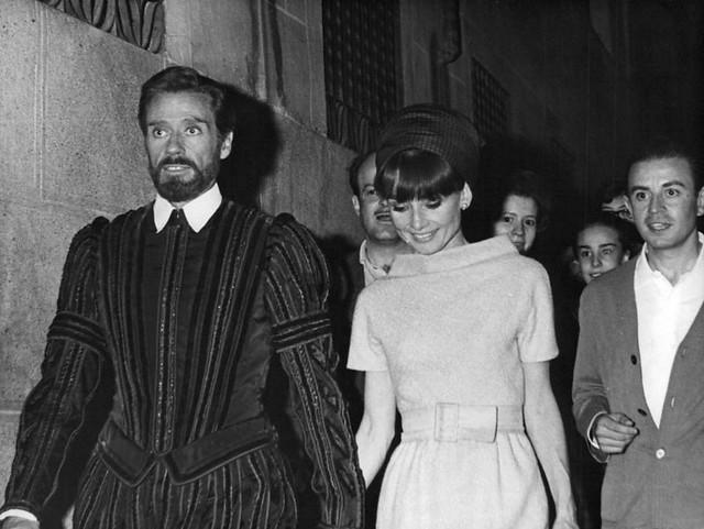 Audrey Hepburn y Mel Ferrer en Toledo en septiembre de 1964 durante el rodaje de El Greco