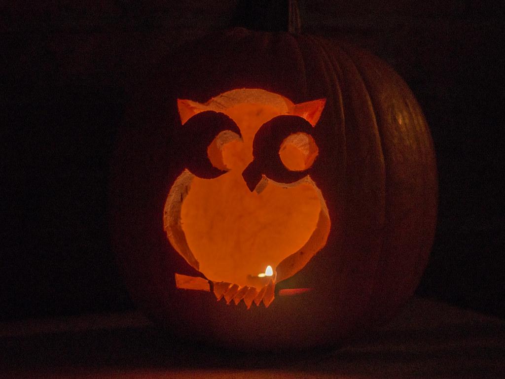 Owl jack-o'-lantern