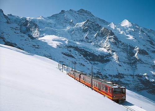 Třídenní skipas s 35% slevou do švýcarského JUNGFRAU (Grindelwald-First, Kleine Scheidegg a Männlichen) s platností kdykoliv v sezóně!