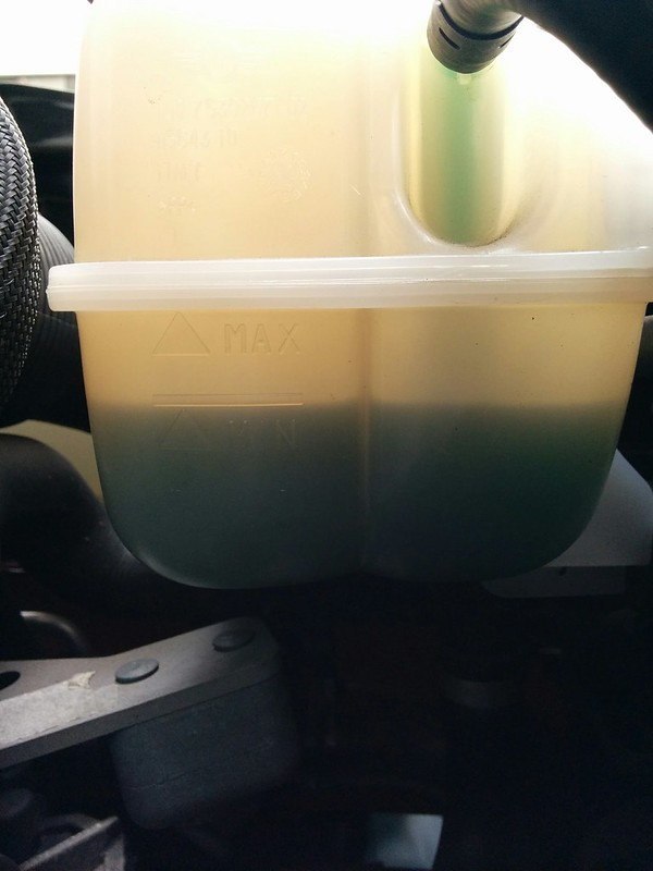BMW Mini クーラント液