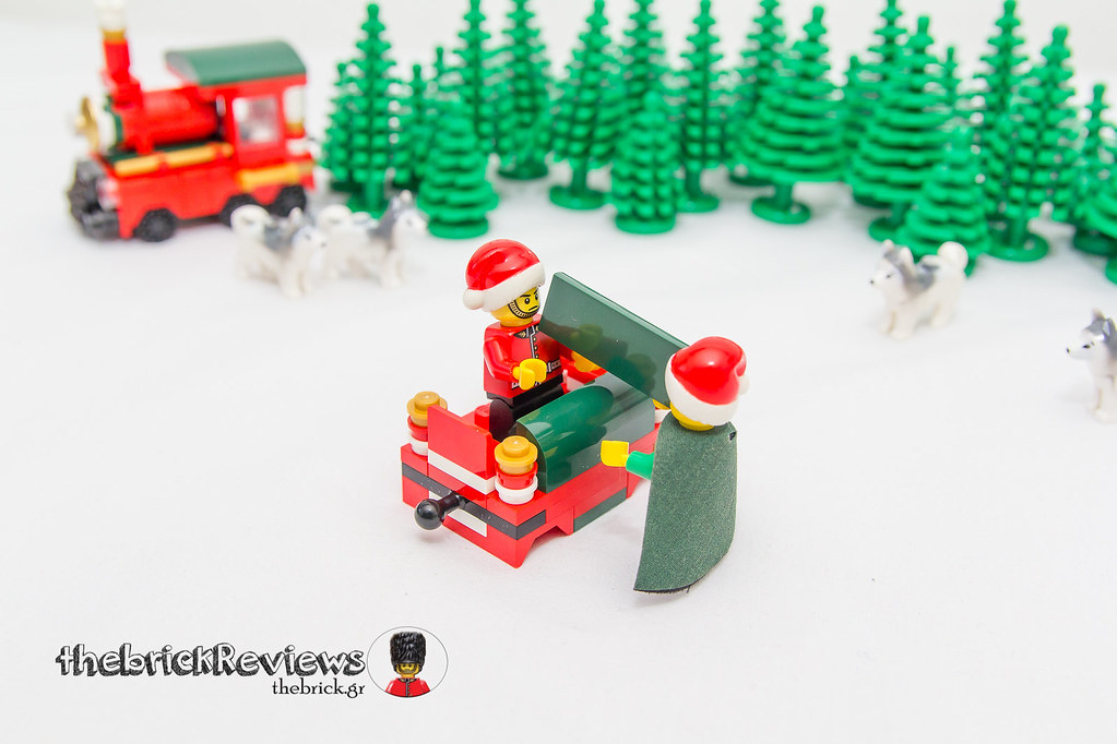 ThebrickReview: Christmas Train - 40138 - Limited Edition 2015 23692777396_023f0ef268_b