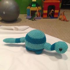 Introducing Elisa's new brontosaurus. He is currently nameless, I'm pushing for Barry. #crochet #amugurumi #dinosaur #brontosaurus #barry #elisa #doolittle #elisaenchilada