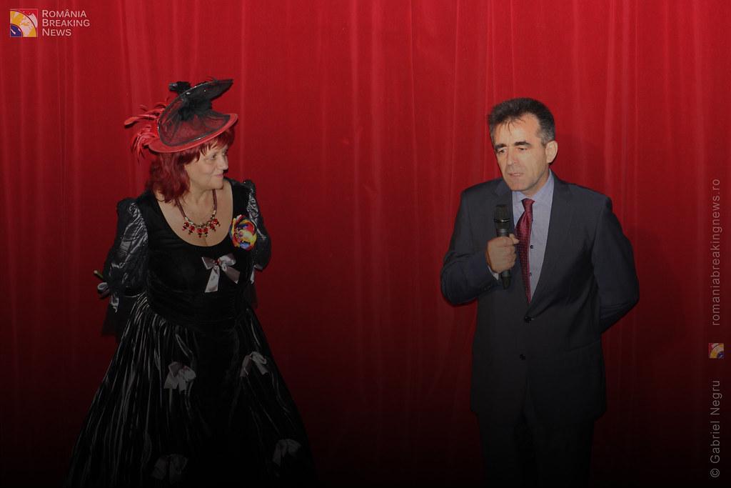 Tetrul_Nottara_si-a_ridicat_oficial_cortina_Trupa_Teatrului_Ginta_Latina_din_Chosinau (18)
