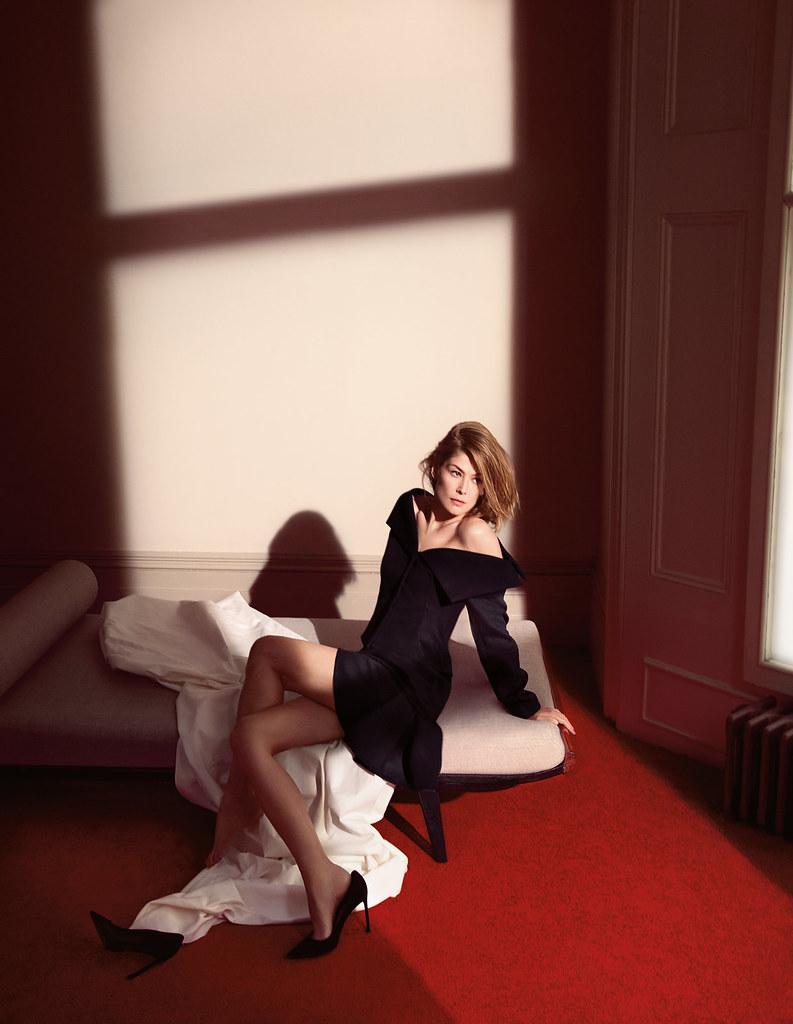 Розамунд Пайк — Фотосессия для «Dior» 2016 – 6
