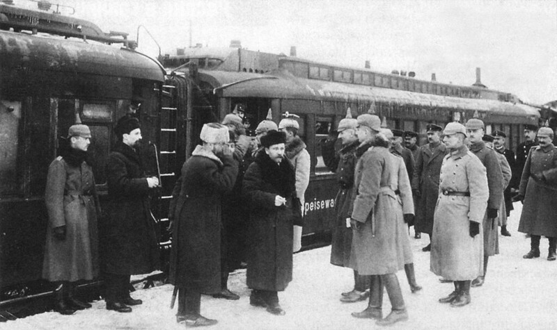 German officers meet the Soviet delegation before the Treaty of Brest-Litovsk