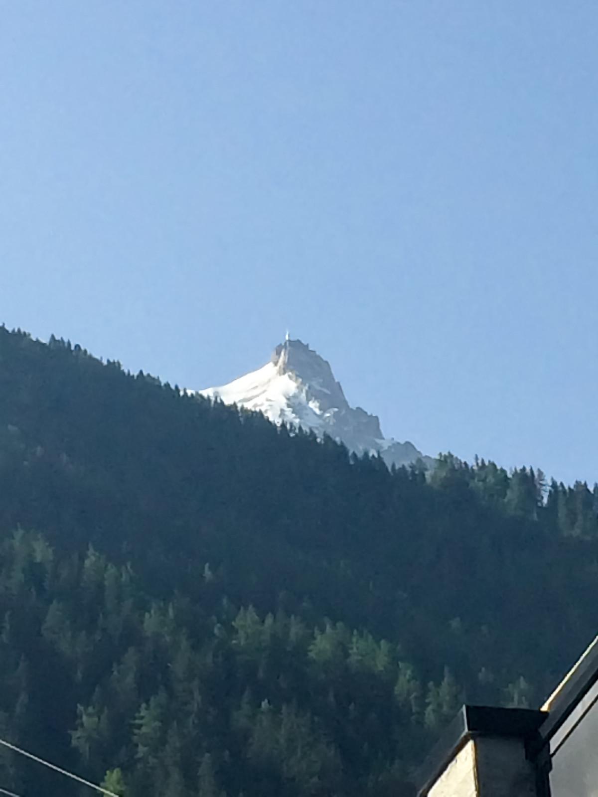 Шамони Мон-Блан - Вид с прмежуточной стенции на пик - до туда еще 1461 метров