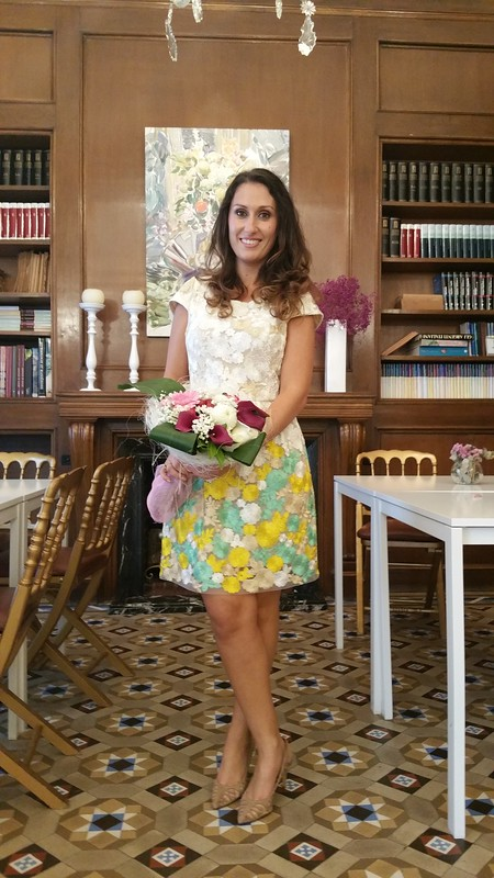 Boda, madrina, vestido, flores, dorados, amarillos, verdes, zapatos, nude, transparencias, clutch rígido dorado, wedding, godmother, dress, golden, yellow, green flowers, shoes, nude, transparency, rigid golden clutch, Poète, Gloria Ortiz, El Corte Inglés, Mariquita Trasquilá, Lada Jewelry