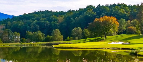 mountains fall golf nc outdoor northcarolina golfcourse brights millspring brightscreek