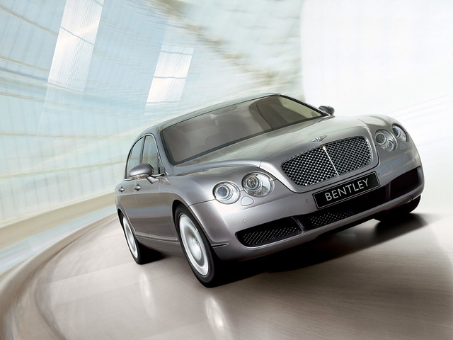 Bentley Continental Flying Spur 2005 года