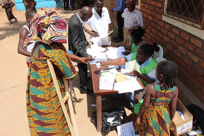 Intervention militaire en Centrafrique - Opération Sangaris - Page 21 23100495513_200de7b752_c