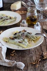 Canelones de setas con crema de parmesano y trufa…