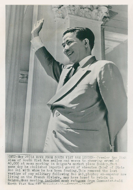 1955 Wirephoto - South Vietnam Leader Ngo Dinh Diem Waves