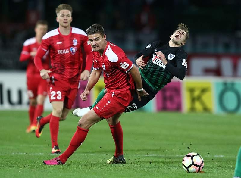 18.11.2016  SC Preußen Münster vs. FC  Rot-Weiß Erfurt 4-0 , Foto: Frank Steinhorst-Pressefoto