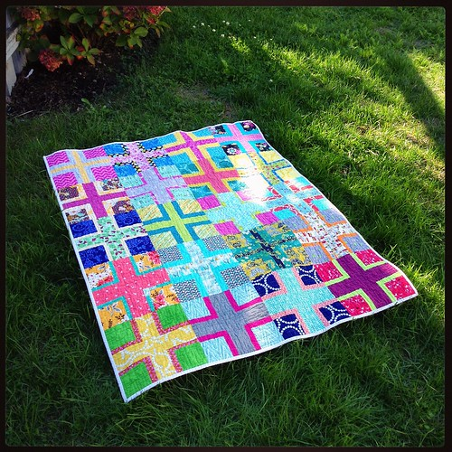 Happiness circle, August 2015 quilt finished.