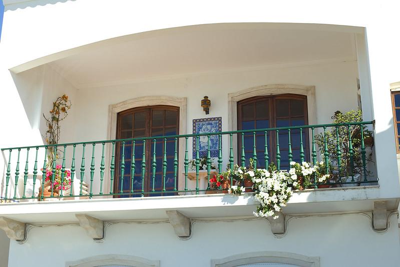 Один из милых балконов