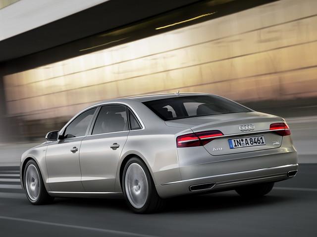 Audi A8 D4 W12