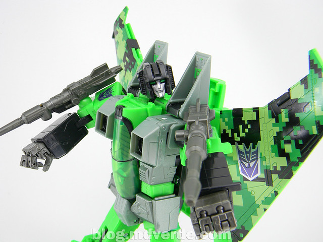 Transformers Acid Storm Masterpiece - modo robot