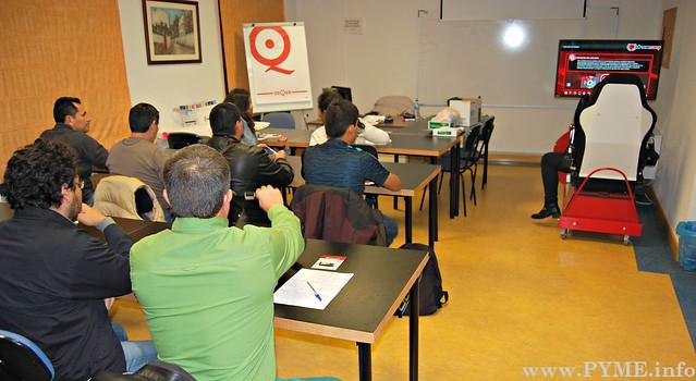Alumnos partipantes en el seminario de Seguridad Vial para inmigrantes.