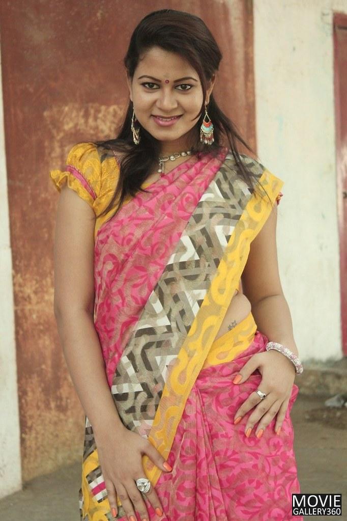Tamil-B-Grade-Movie-Actress-Asmitha-Hot-Saree-Images-02 -6063