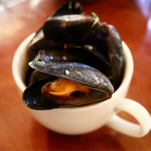 ムール貝の白ワイン蒸し。白ワインと合う! #ワイン会 #lelion #恵比寿