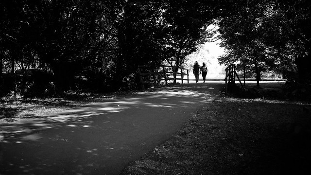 A couple in the park - Stratford Upon Avon, England - Black and white street photography