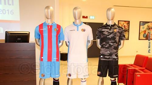 Catania: svelate le maglie per la stagione 2015/16$