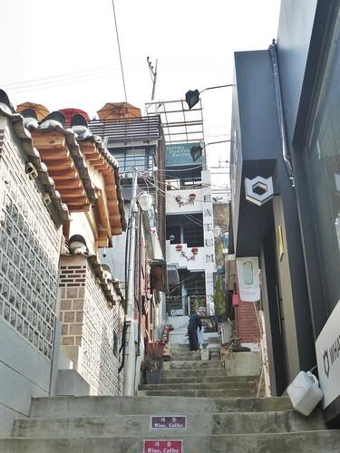 Co-Seoul-Hanok-Bukchon village (1)