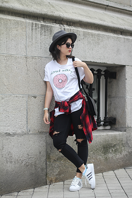 look con adidas superstar y camiseta adolescent clothing donut streetstyle myblueberrynightsblog