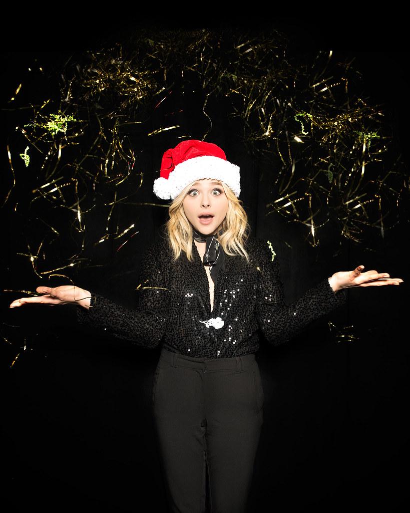 Хлоя Морец — Фотосессия на «Jingle Ball» 2015 – 2